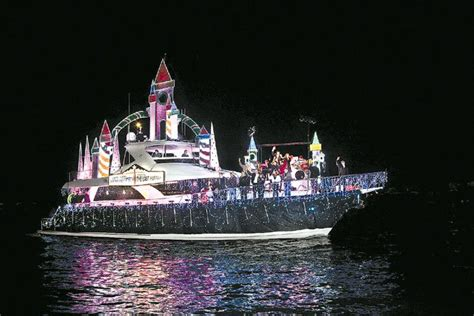 san diego boat parade of lights boat parades light up san diego s bays for the holiday