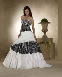chagne colored wedding dress 25 best ideas about wedding dresses with color on