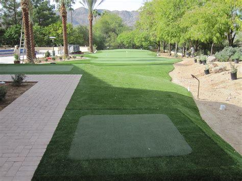 install  putting green   backyard