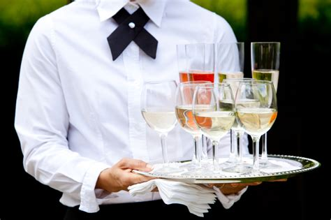 fb service hotel adalah restaurant etiquette 10 things wait staff can do to keep
