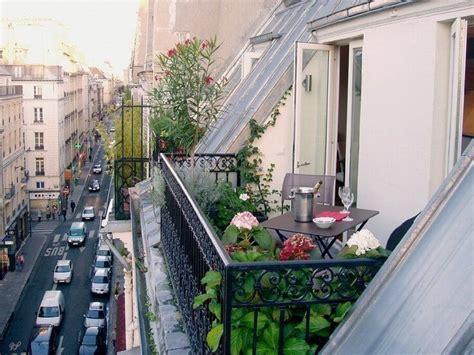 Amenager Balcon Appartement by Les 25 Meilleures Id 233 Es Concernant Balcon Parisien Sur