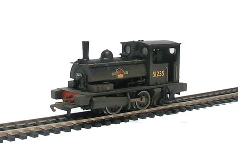hornby pug hattons co uk hornby r2453a class b7 pug 0 4 0st 51235 in br black weathered