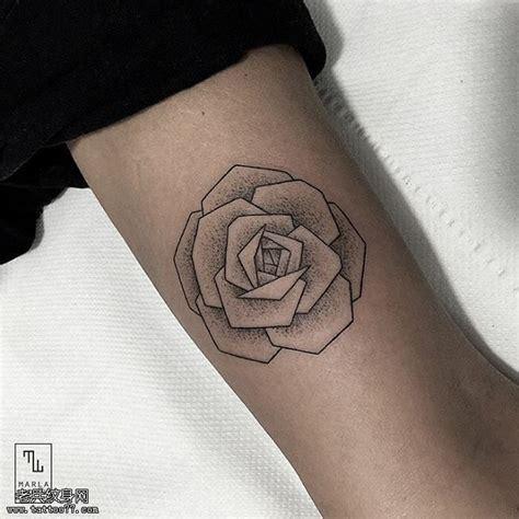 玫瑰简约线条纹身内容图片分享
