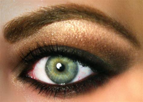 Eyeshadow Free fall trend 2010 grunge smokey brown mac eyeshadow i used
