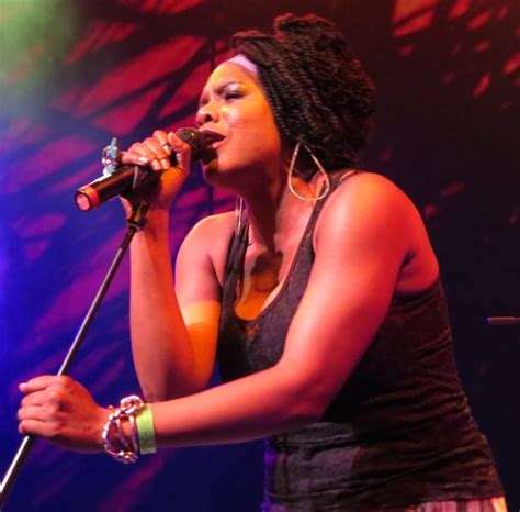 concert review a bounty of hits from female artists at