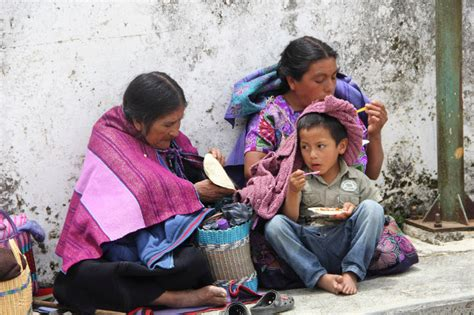 imagenes de niños indigenas jugando familias ind 237 genas desplazadas en chiapas presentan