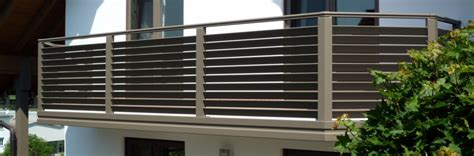 balkongeländer verzinkt verkleidung design balkon