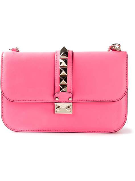 valentino rockstud shoulder bag in pink lyst
