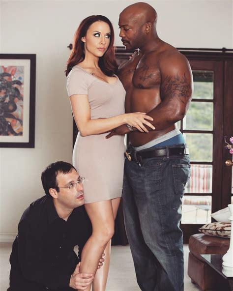 Syari Black Coksu siempre a lado de mi esposa para ayudarla en lo que necesite chains