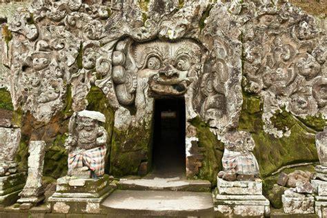 Liontin Batu Gajah India 1 situs goa gajah yang tengah menanti gelar situs warisan