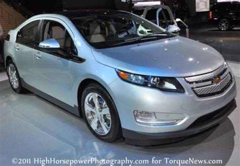 Nissan Leaf Torque by The Chevrolet Volt Outsells The Nissan Leaf In March 2011