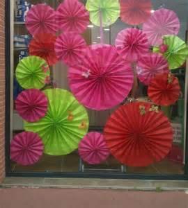 vitrine de printemps effet 201 vantail vert autrement