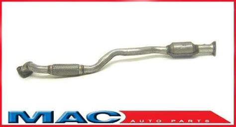 2005 Suzuki Forenza Catalytic Converter 04 08 Suzuki Forenza Rear Catalytic Converter Flex Pipe