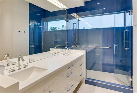 colore pareti bagno 40 idee per un bagno e bianco design e abbinamento