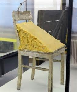 joseph beuys stuhl mit fett erster blick in hessens neue schatzkammer frankfurt
