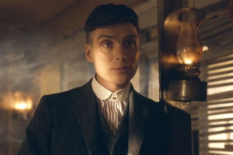 thomas shelby peaky blinders what the heck is peaky blinders and what is it all about
