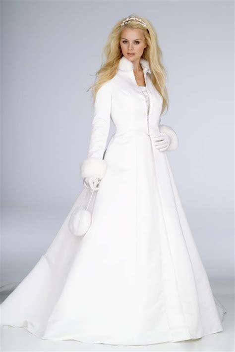 Robe de marriage civil couleur primaire
