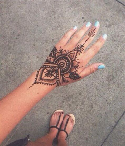 henna tattoo hand bielefeld 25 best ideas about henna designs on