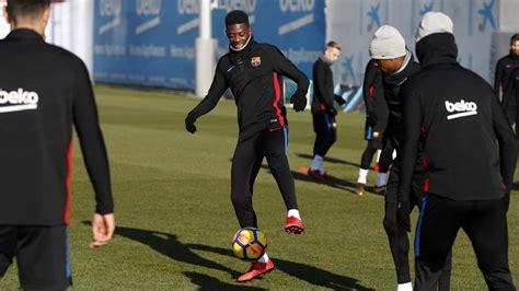 ousmane dembele lesao demb 233 l 233 treina elenco do barcelona pela primeira vez