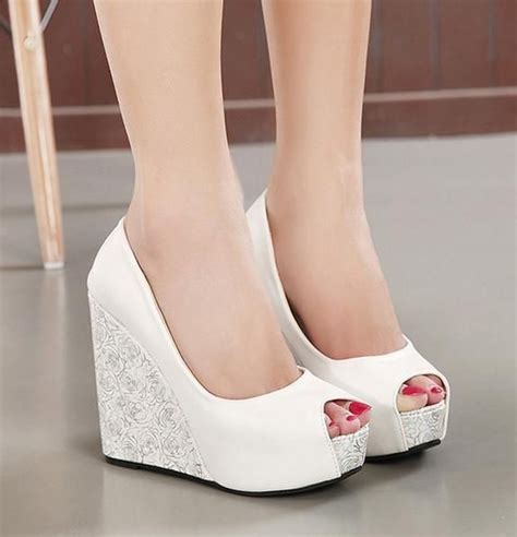 Beige Wedges For Wedding by 25 Best Ideas About Wedge Wedding Shoes On