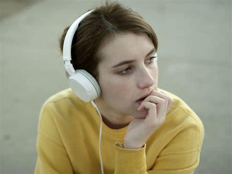 film belli con emma roberts la raz 243 n por la que escuchas canciones tristes para