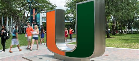 Um Miami Mba by Coral Gables Cus Of Miami Graduate And