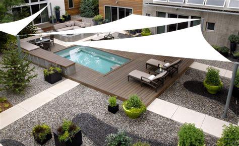 Supérieur toile de jardin triangulaire #1: residential_exteriors_26-1.jpg