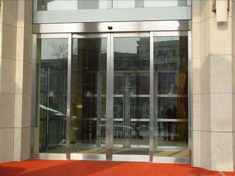 Porte Coulissante De Séparation by Porte Coulissante En Verre Automatique Du Centre