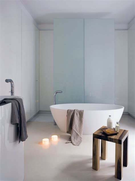 Minimalist Bathtub by Minimalist Bathtub Design With Aromatherapy Candles