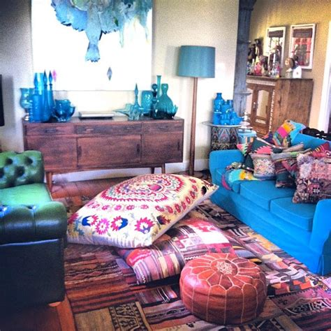 Good Home Inspired By India Rug #5: Bright-comfy-bohemian-space.-gorgeous-kilim-rug-moroccan-leather-pouf-indian-floor-pillows-and-bright-sofas..jpg