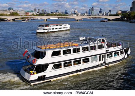 thames river boats waterloo river thames tour boat and high speed clipper riverboat