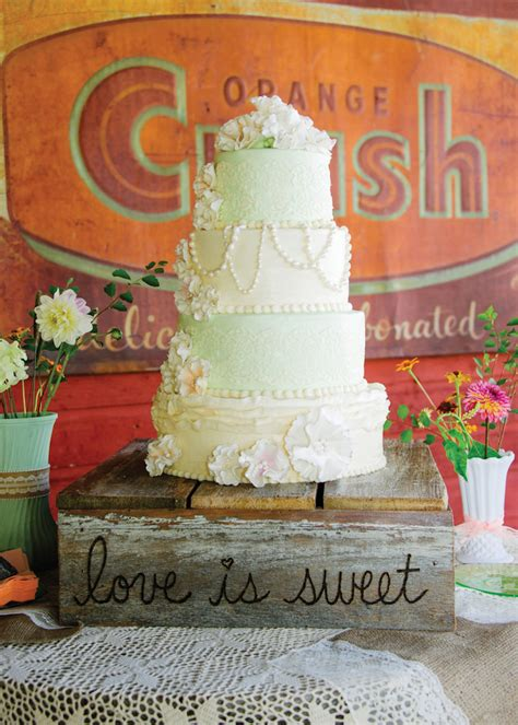 wedding cakes cities shabby chic country wedding ethan megan the pink