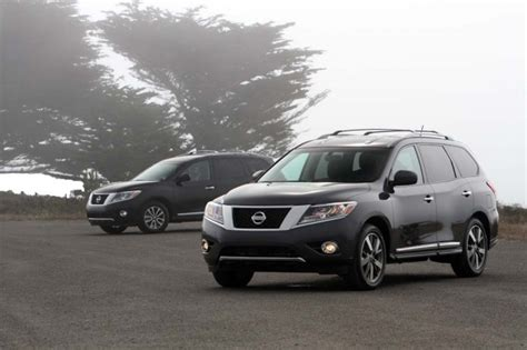 how it works cars 2012 nissan pathfinder lane departure warning nissan pathfinder 2013 review 4 cameras 360 degree coverage no crunch parking extremetech