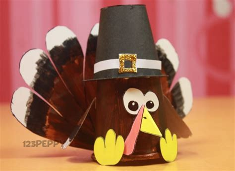 how to make a turkey craft project thanksgiving crafts project ideas 123peppy