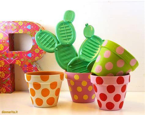 decorare vasi di plastica oltre 25 fantastiche idee su vasi di terracotta dipinti su