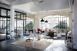 the set design of the intern la dolce vita