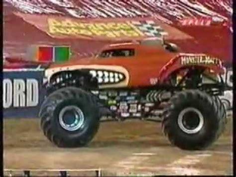 monster truck show mn 2005 ushra monster trucks minneapolis mn show 2 freestyle