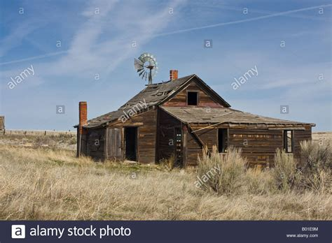 old ranch house old ranch house buildings and windmill near kent in central oregon stock photo royalty free