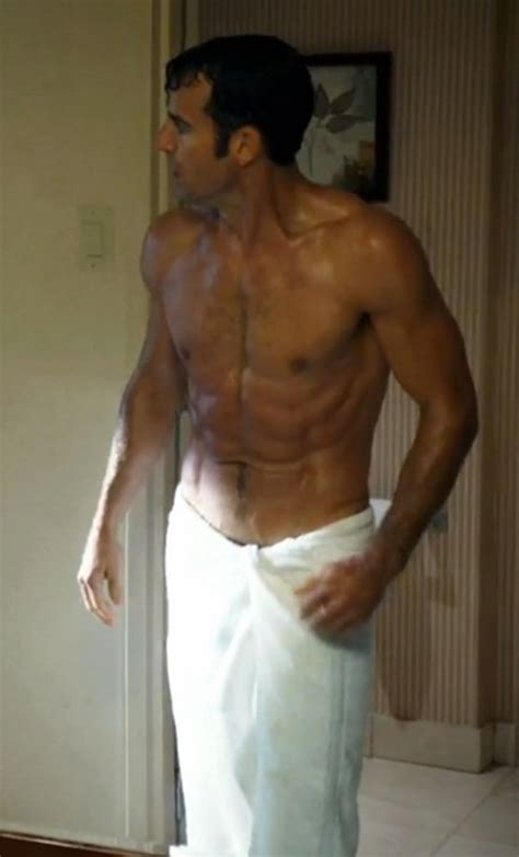 calciatori doccia the leftovers justin theroux nudo in doccia foto