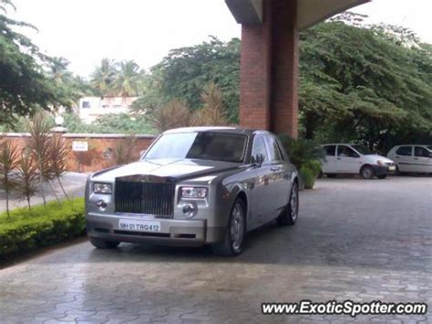 roll royce bangalore rolls royce phantom spotted in bangalore india on 08 27 2006