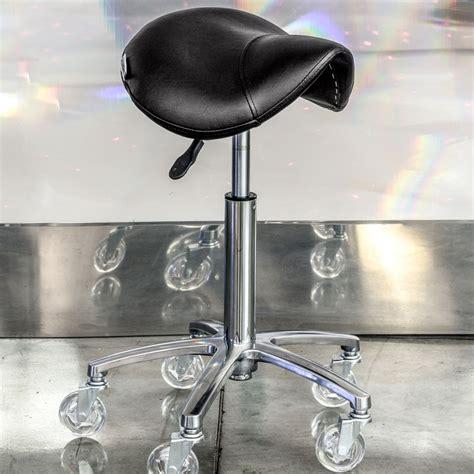 sgabelli con ruote per parrucchieri sgabi siena color sgabelli per parrucchieri maletti
