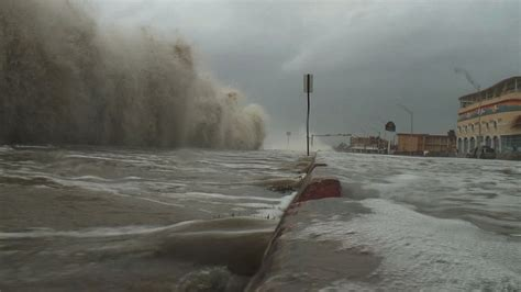 storm surge warning alert notifications