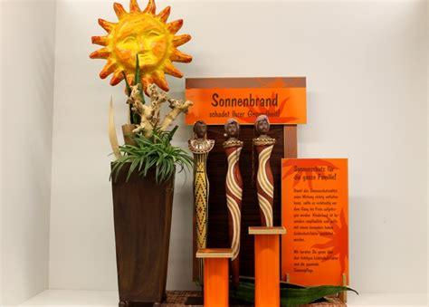 Folienbeschriftung F R Schaufenster by Schaufenster Dekorationen Und Werbegestaltung F 252 R