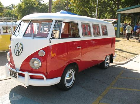kombi volkswagen production of iconic volkswagen bus will end december 31