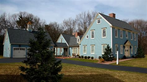 saltbox home the saltbox colonial exterior trim and siding the