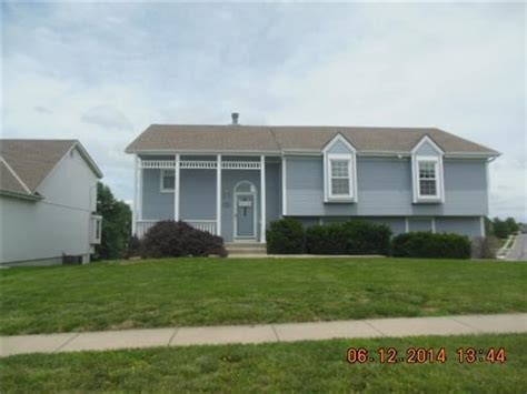 1108 ne franklin dr lees summit mo 64064 foreclosed home