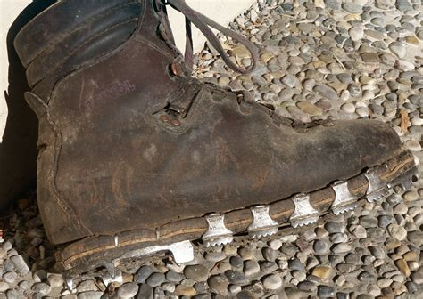 kamet climbing shoes tricouni