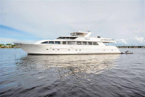 boat us rewards risk and reward motor yacht lady z main luxury yacht