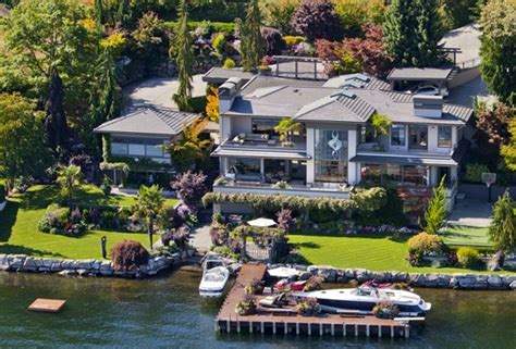 Bill Gates Facebook Giveaway - the luxury home of bill gates bossroyal
