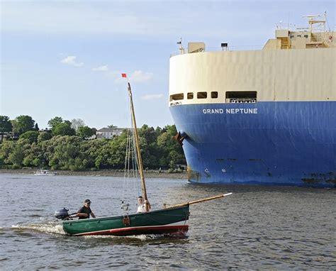 Neptune Hamburg by Hamburger Sammelsurium Hamburgmotive Der Elbe Ro